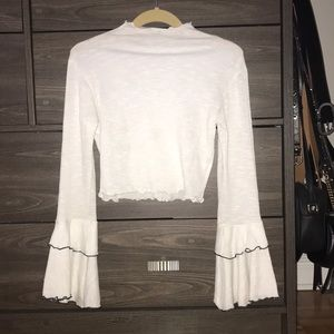 LF cropped bell sleeve top
